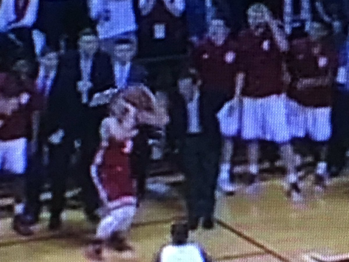 Watching UW-Indiana again: OK defense by Tom Crean here on Zak Showalter, but he absolutely has to get a hand up. https://t.co/pFw2PDsmDY