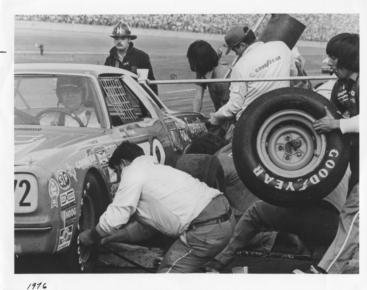 goodyear racing on twitter tbt a patient benny parsons awaits fuel and new goodyear tires during the 1976 nascar winston cup race twitter