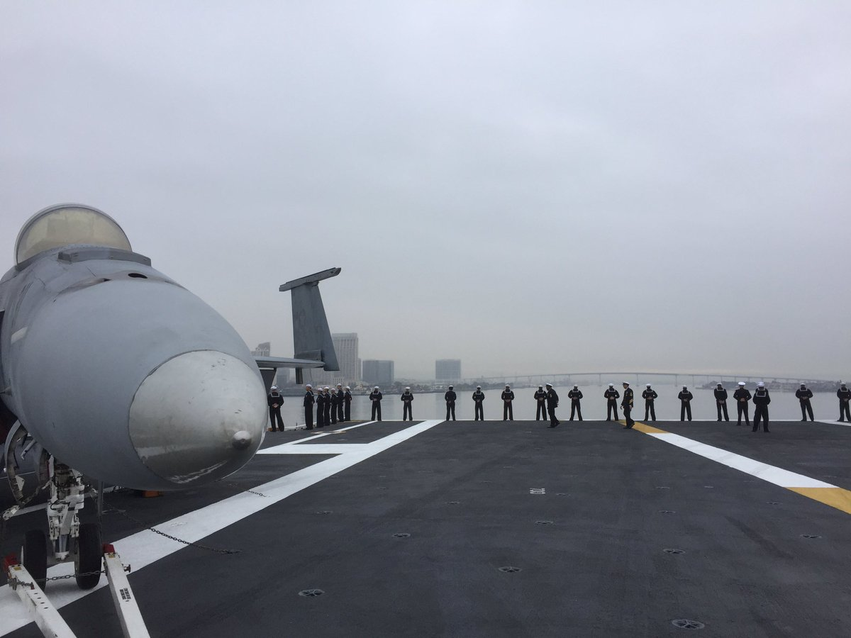 .@USNavy Sailors from USS Carl Vinson depart #sd for #westpac https://t.co/Gz35e5Fc0k