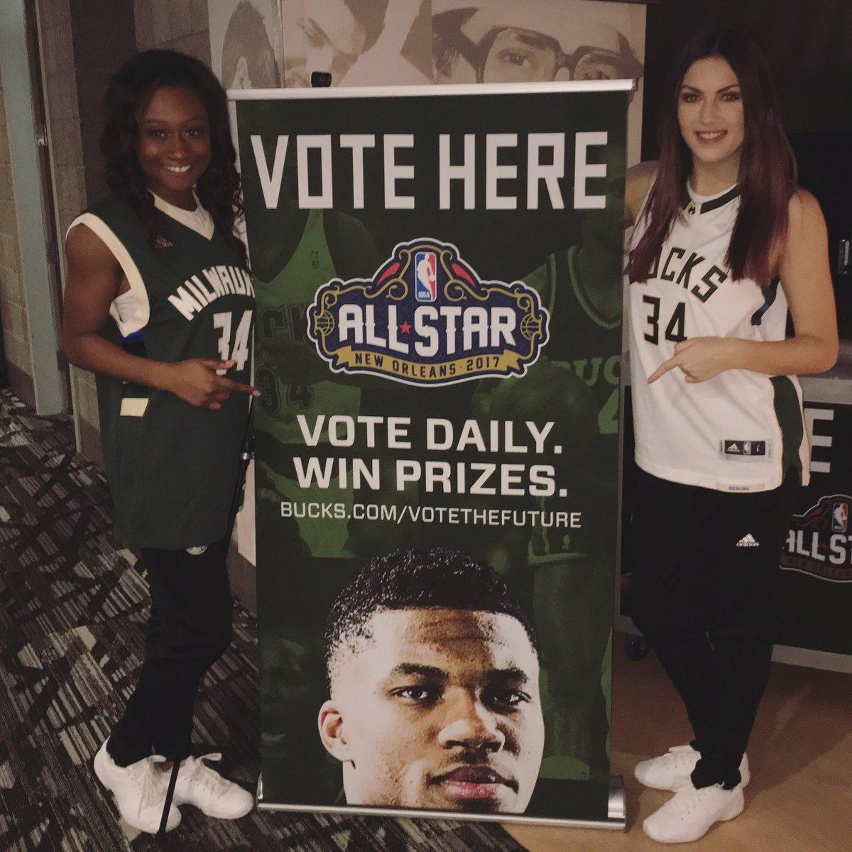 RETWEET to vote Giannis Antetokounmpo for All-Star! #NBAVote #VoteTheFuture https://t.co/KYOgi5aLs8