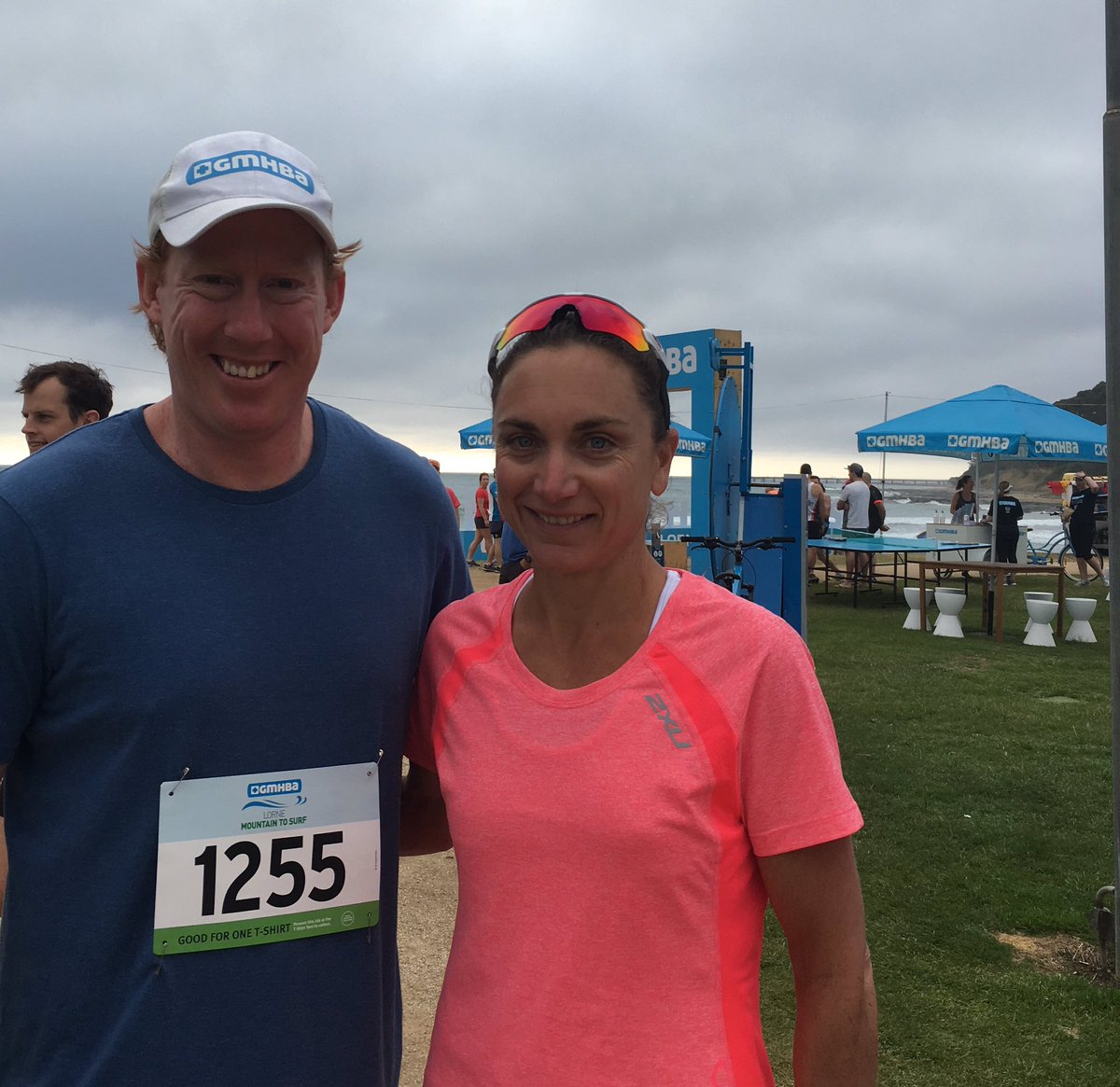 Warm up with @CameronLing &amp; @emmaECarney at 8am @MountainToSurf #running #8km #lorne<br>http://pic.twitter.com/4e3nJ32VD0