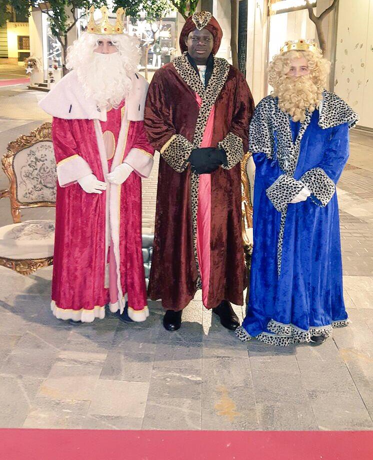 #Feliz y #magica #noche de #ReyesMagos a tod@s #Murcia #niños #Navidad <br>http://pic.twitter.com/xQvnXDBcUZ
