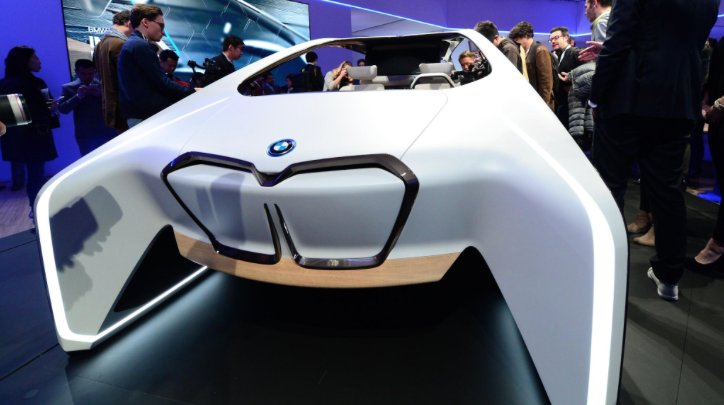 O futuro da condução é autônomo. @BMW e Intel formam parceria para criar o carro do amanhã. #CES2017 https://t.co/BjDJWLAczD