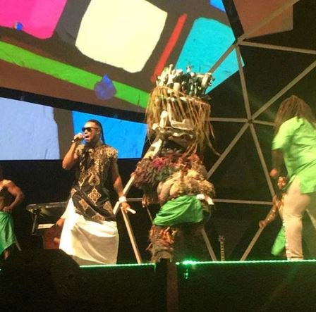 Flavour brings the #Ijele masquerade on the stage #GloCAFAwards2016