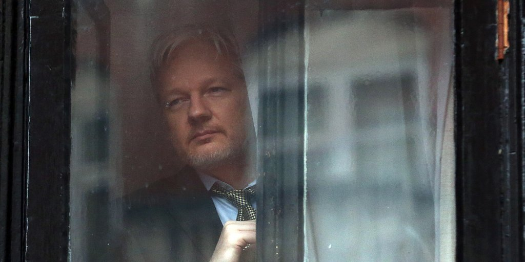 Julian Assange's claim about the source of DNC emails is disproved by WikiLeaks' own website https://t.co/7bOHdI4B8n https://t.co/svx7khyLtz