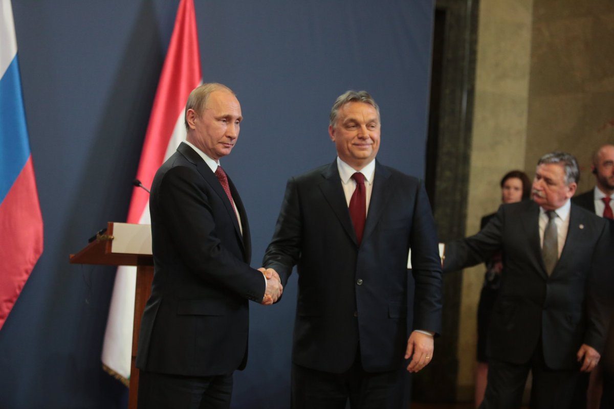 Putin meets with Viktor Orban in Budapest on 2 February