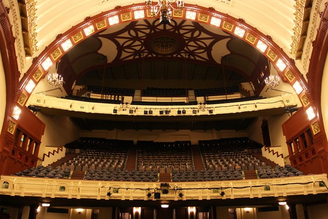 seattles moore theatre - 640×427