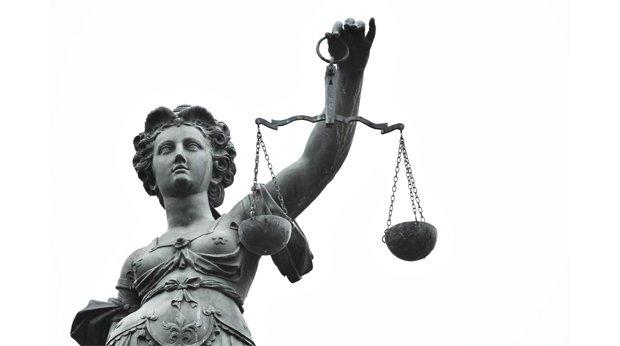 Retour sur #Pouvoirs n°155: Désobéir en démocratie. &quot;L'histoire aussi extraordinaire que méconnue du juge Pierucci&quot; article signé O.Duhamel <br>http://pic.twitter.com/QovlHmPUri