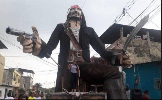 La prohibición de quemar #monigotes en #Guayaquil continúa. Andrés Jungbluth @ajungbluth nos cuenta por qué  http:// bit.ly/2iYFu1C  &nbsp;  <br>http://pic.twitter.com/uRHDIafLZ5