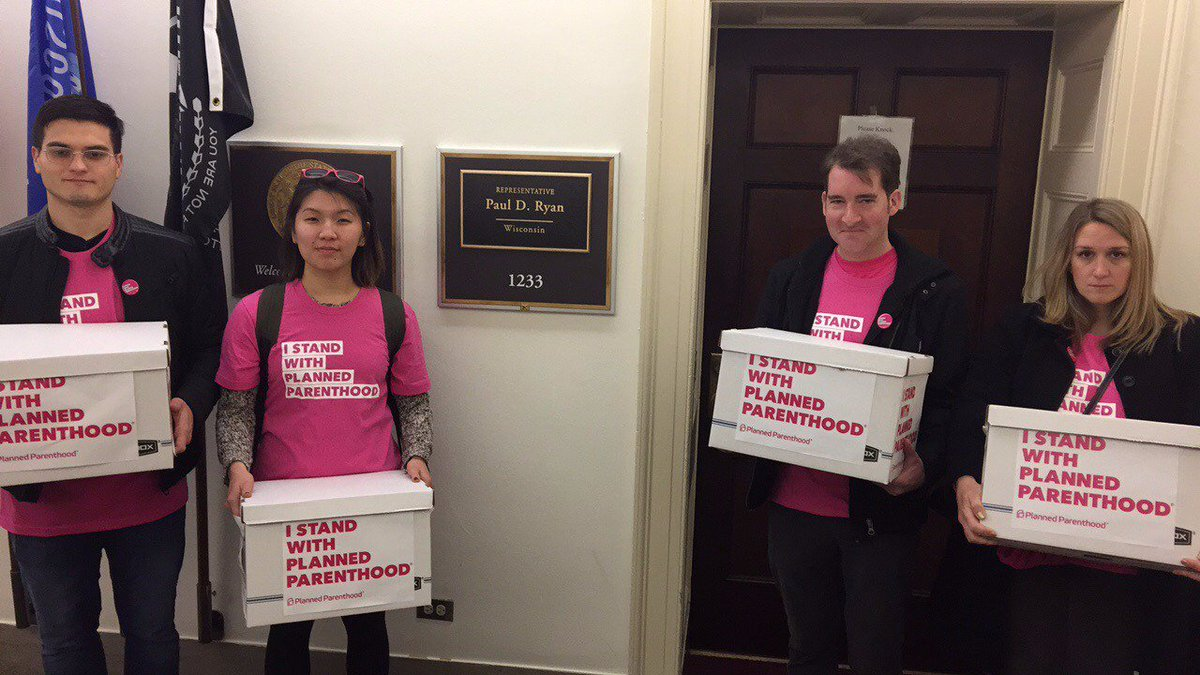 .@SpeakerRyan's office sent 6 security guards to block delivery of 87K #IStandWithPP petitions telling Ryan not to defund Planned Parenthood