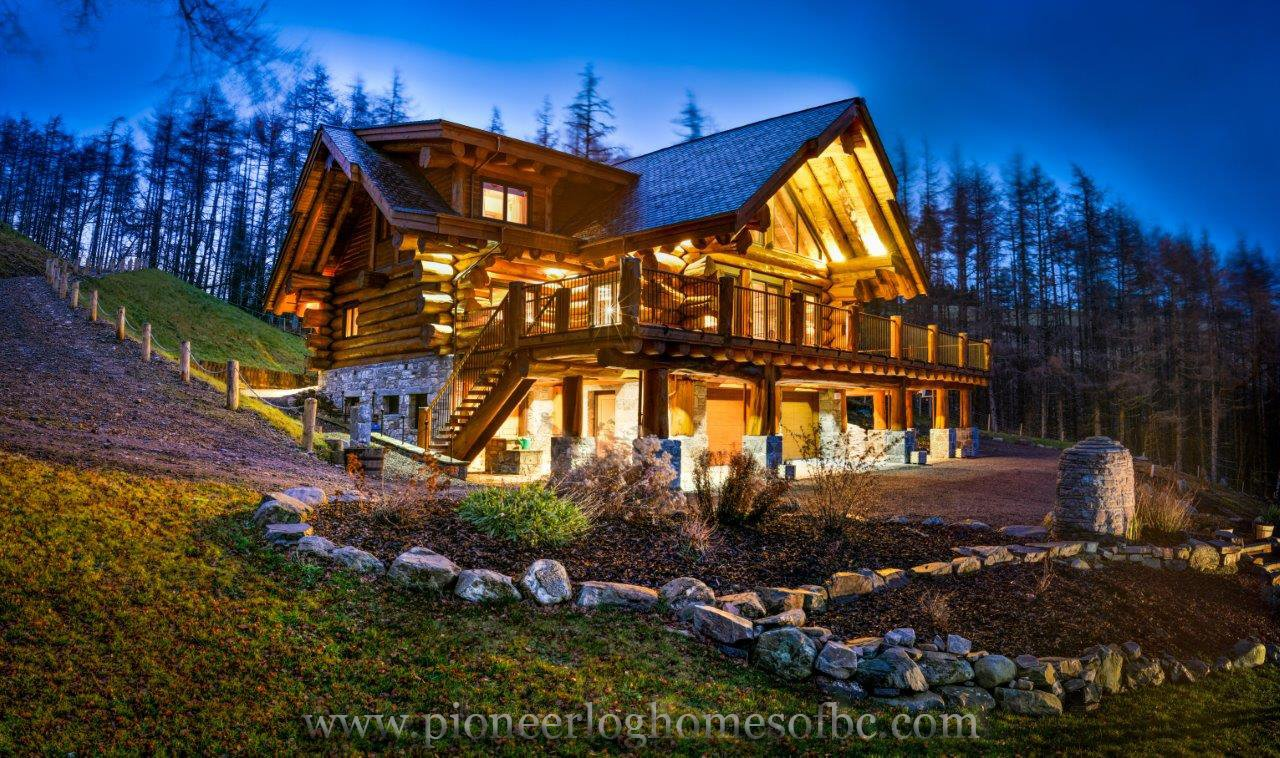 pioneerloghomesofbc on twitter the molalatau lodge is a breathtaking escape located in. Black Bedroom Furniture Sets. Home Design Ideas