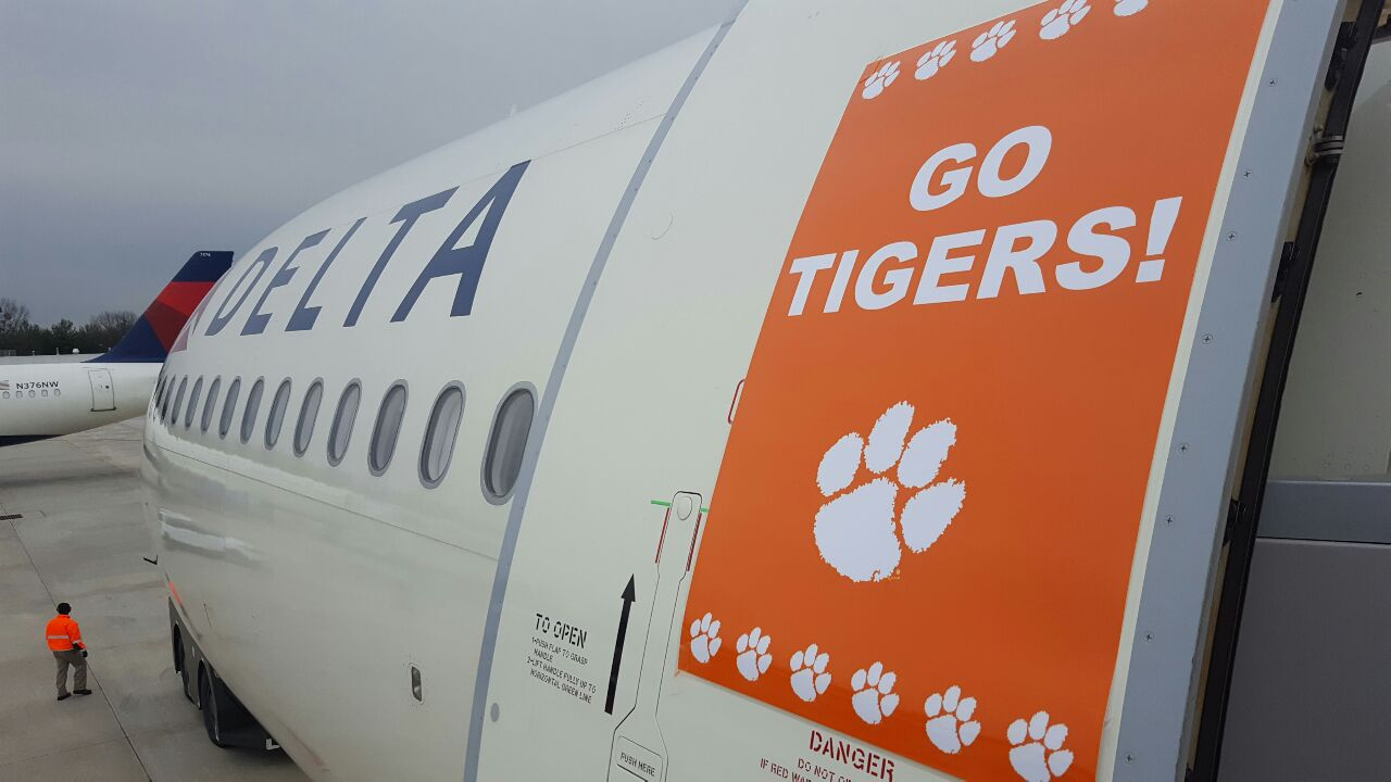 Next stop...Tampa! #Clemson #ALLIN #CFBPlayoff https://t.co/ptSdlHRaeQ
