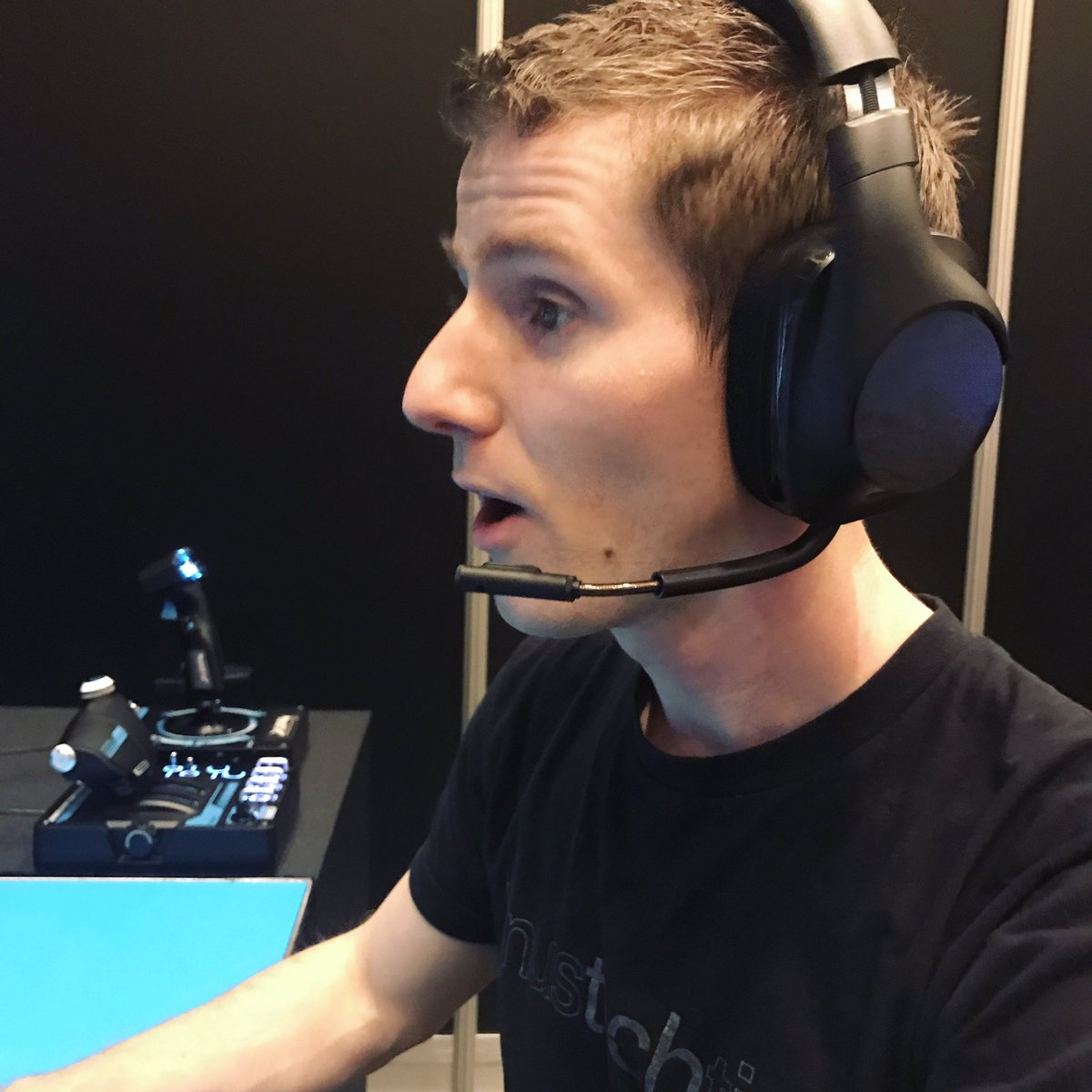 Linus Tech Tips On Twitter Trying Out The Logitech G533 Wireless