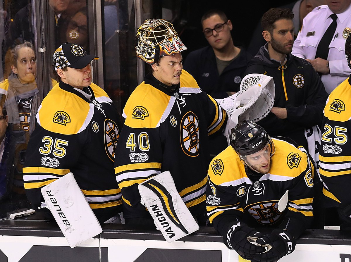 Bruins plane diverted because of Florida airport shooting https://t.co/N2eKFtQRJX https://t.co/H0HoAhDBDw