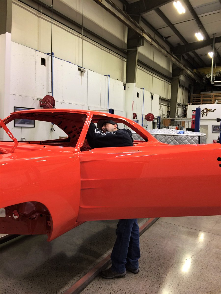 Graveyard Carz On Twitter Daves Hard At Work On The General Lee
