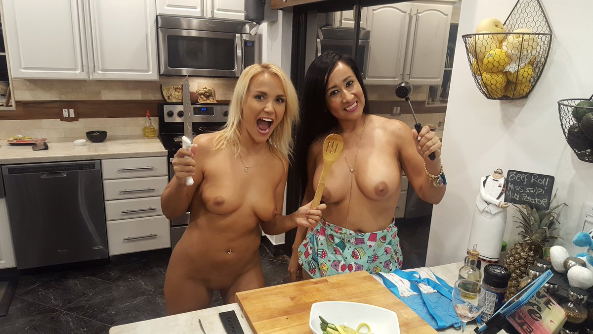 Naked News Cooking In The Raw Porn Images