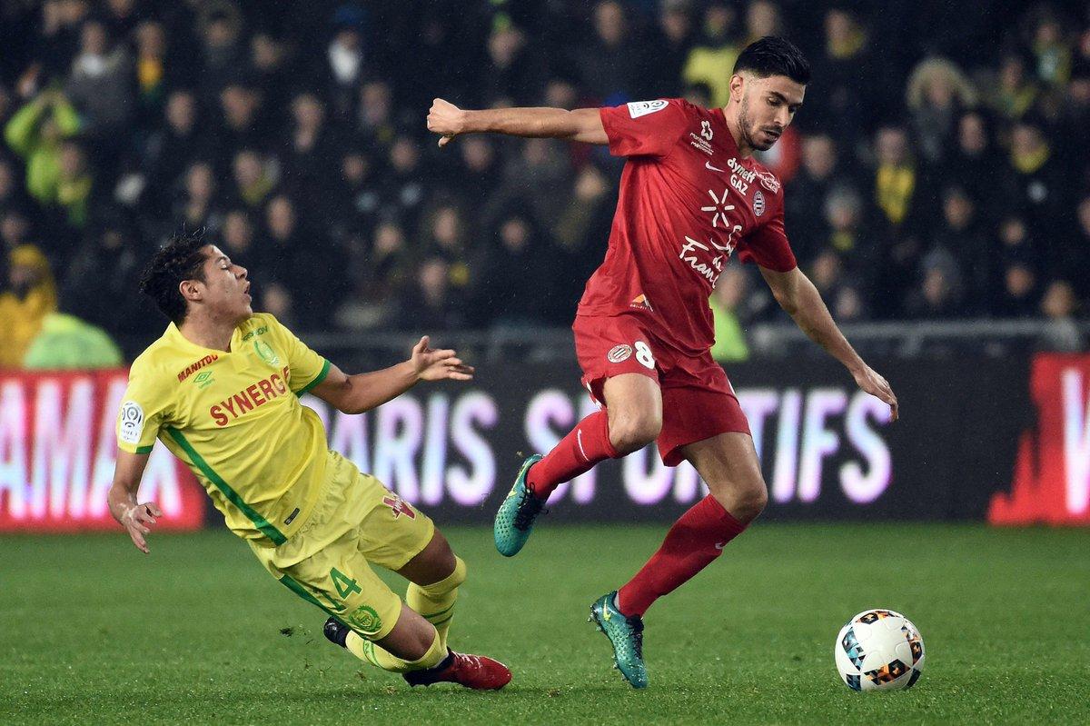 #Football / #Montpellier : une nouvelle offre pour #Doly, #Sanson très courtisé  http://www. midilibre.fr/2017/01/07/foo tball-mercato-une-nouvelle-offre-pour-doly-sanson-tres-courtise,1449601.php &nbsp; … <br>http://pic.twitter.com/DC4yDMf2Ew