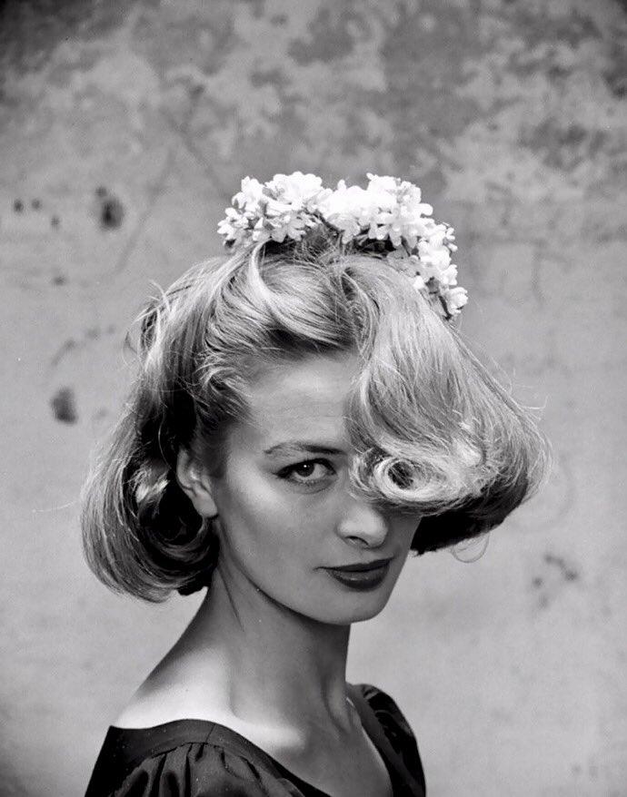 &quot;Viviamo solo per scoprire nuova bellezza. Tutto il resto è una forma d&#39;attesa.&quot; Kahlil #Gibran #Capucine #bellezza #beauty #love #eyes<br>http://pic.twitter.com/zf4lIbBqzs