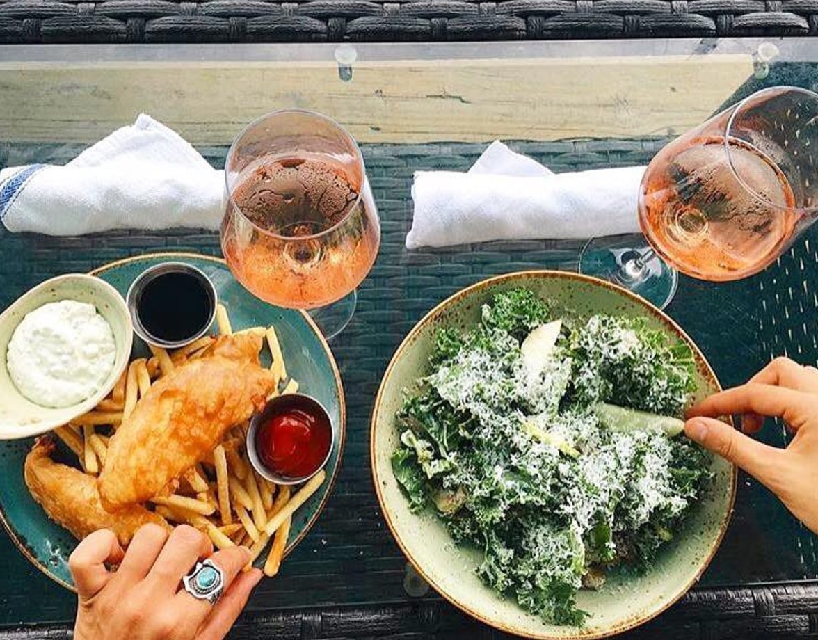 It may be very dreary outside, but lunch at the Tavern can brighten any day. (Photo Cred: @experiencemp) #chs #chas #charleston #chseats<br>http://pic.twitter.com/djnbmR0C37
