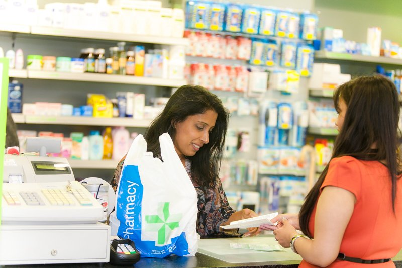 Pharmacists are on hand to help you with coughs, colds and sore throats this winter #staywellthiswinter https://t.co/iZDCNG3SgI