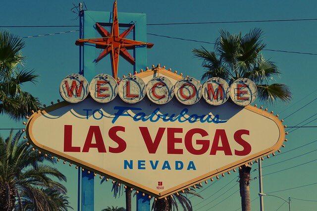 #StayTuned !  Un #BestOf #CES2017 Las Vegas sur ma TL ce samedi 7/01 entre 18h et 19h ! #BeReady ! RDV #startup et #innovation <br>http://pic.twitter.com/YOiOs4JRaQ