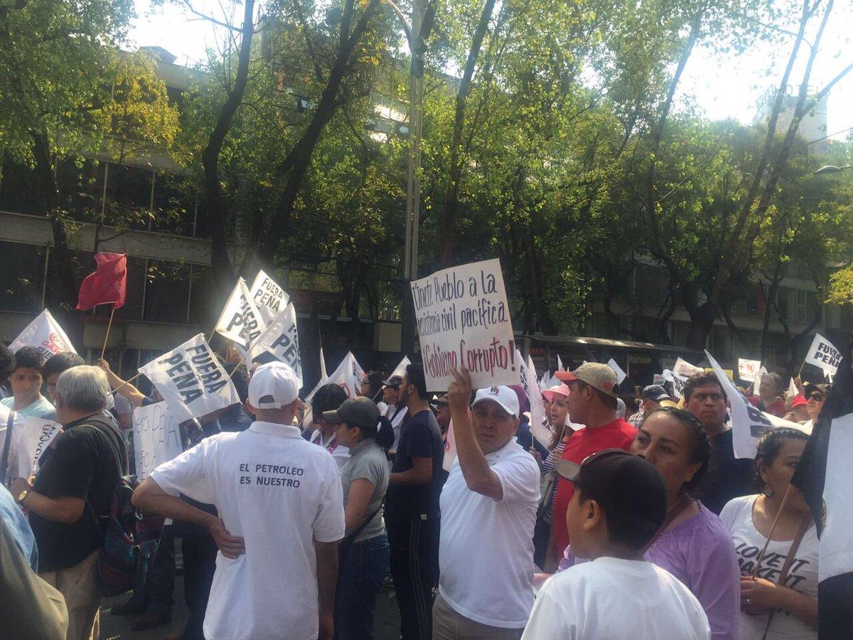 Marcha del Ángel al Zócalo en protesta por el #gasolinazo https://t.co/YcBRqksTpR