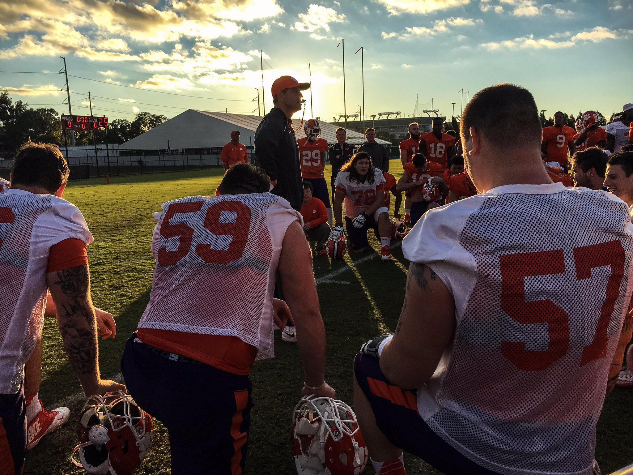 Last practice of the season. #ALLIN all the time. #Clemson #nationalchampionship https://t.co/Xq4fAfgYsk