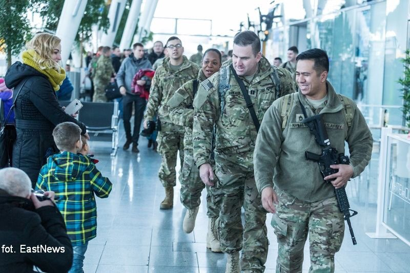 First group of American soldiers deployed to Poland as part of Operation #AtlanticResolve has landed in Wrocław