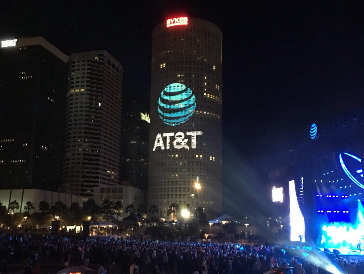 Great night in Tampa! @ATT #Tamoa2017 #CFBChampionship #ATTemployee https://t.co/JGGh35W4iH