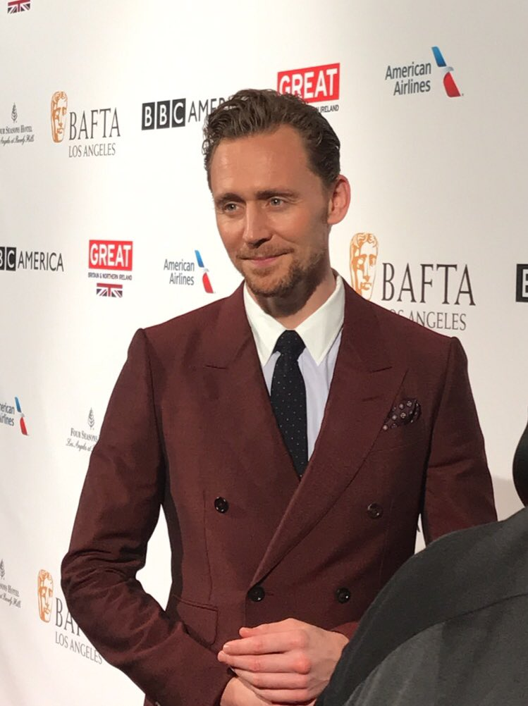 Tom Hiddleston looking sharp on the red carpet. #BAFTATea https://t.co/HxlOUOHMww