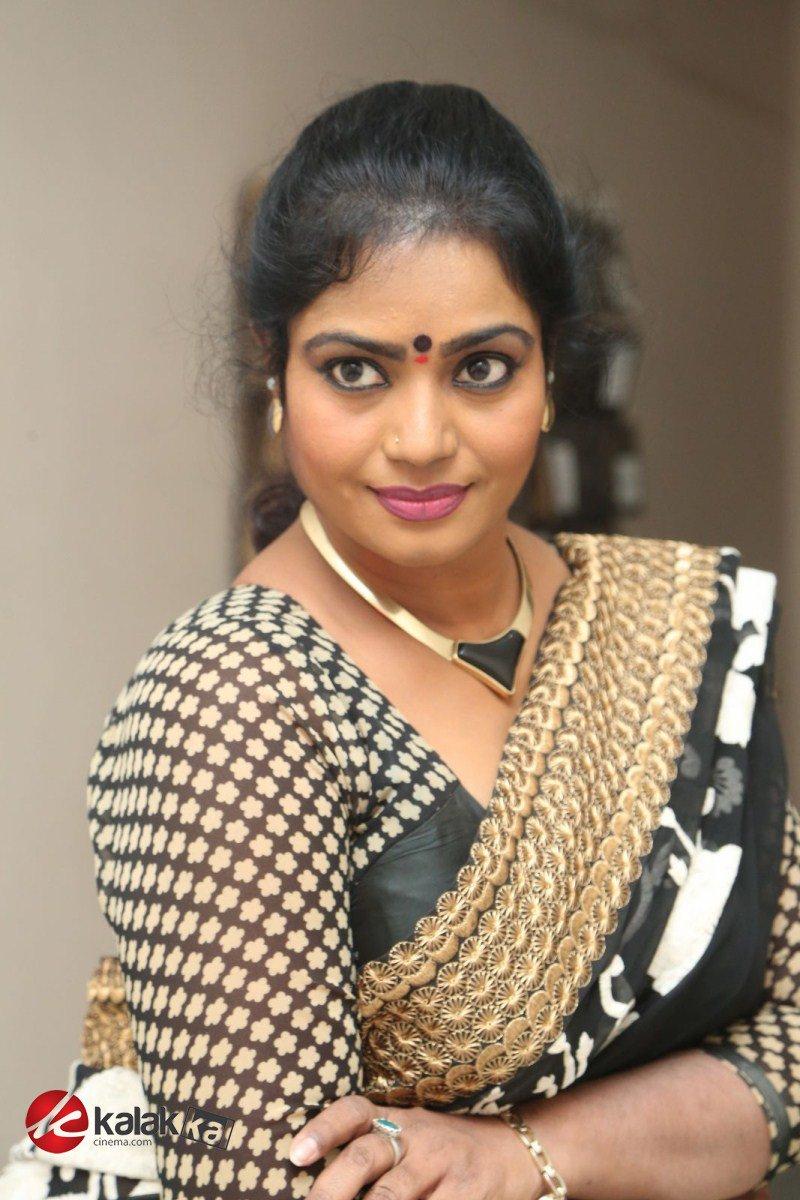 """Kalakkal Cinema on Twitter: """"Actress #JayaVani Photos More ..."""