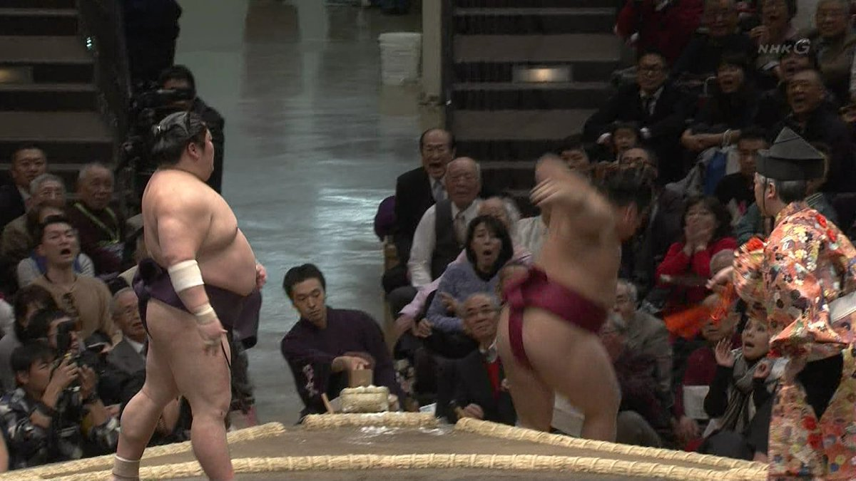 【速報】研ナオコさん危機一髪 #大相撲初場所 https://t.co/umwK9U6Yvr