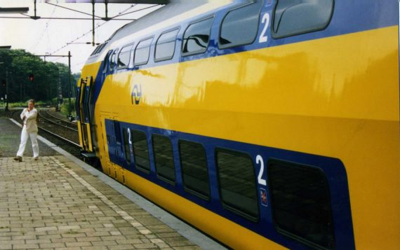 All Dutch Trains Now Run 100% On WindPower https://t.co/EnMPOQmI91 https://t.co/okz2PJfxKh