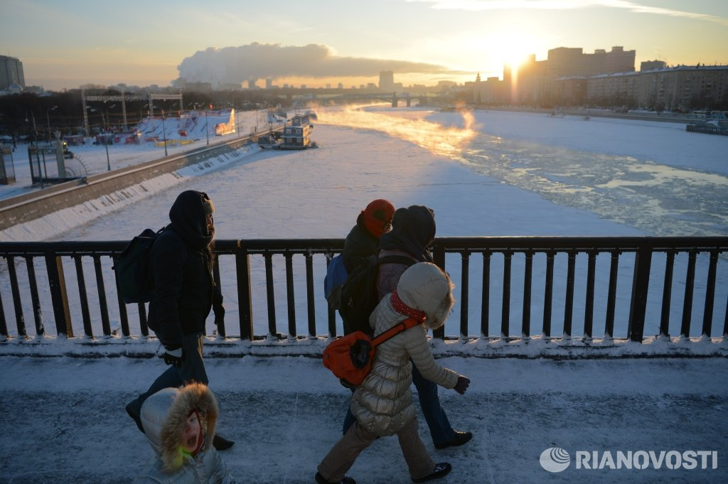All Moscow schools will open after the holidays despite the cold weather https://t.co/JuthtO6KhF https://t.co/vphDOtdayJ #news #Russia