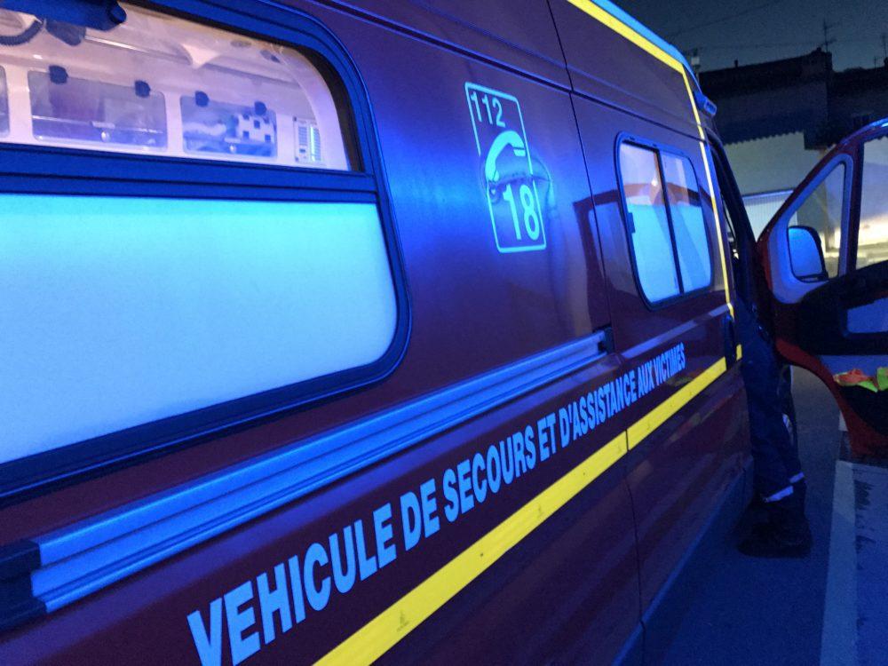 #GARD. Un enfant de 11 ans blessé par arme à feu à #Vauvert.  http:// e-metropolitain.fr/2017/01/08/un- enfant-de-11-ans-blesse-par-arme-a-feu-a-vauvert/ &nbsp; … <br>http://pic.twitter.com/47H7Uvy8FJ