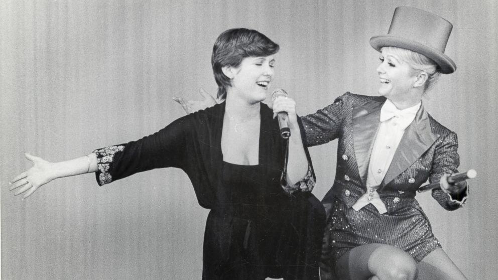 7 #Takeaways From Bright Lights, the Doc About #Carrie Fisher and #Debbie Reynolds  http:// abcn.ws/2iWnZ4I  &nbsp;  <br>http://pic.twitter.com/s80WEyIjIP