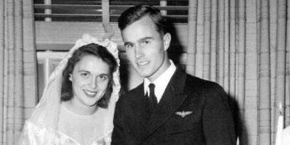 72 years of blessed Holy Matrimony for President George H.W. Bush and First Lady Barbara Bush! Happy anniversary! https://t.co/ImcRNEtNfY