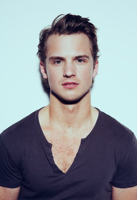 Happy 30th Birthday to Freddie Stroma! (01/08/87)