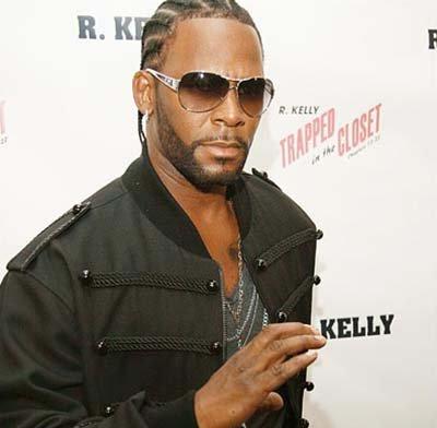 Happy Birthday R.Kelly ! Do You Prefer the Braids or Bald?