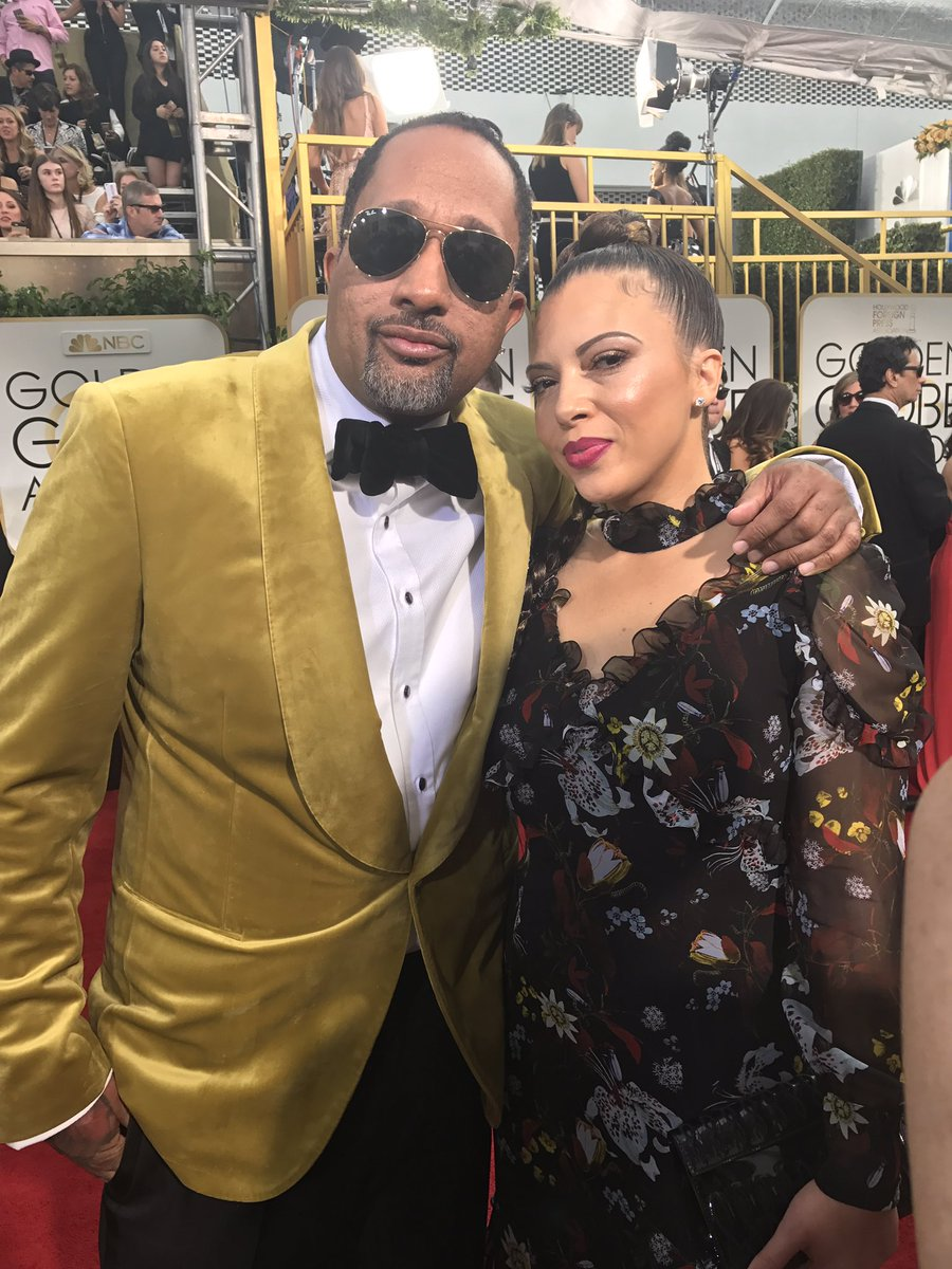 Kenya Barris with wife Dr. Rainbow Edwards-Barris on the Golden Globes red carpet. (Tre'vell Anderson / Los Angeles Times)