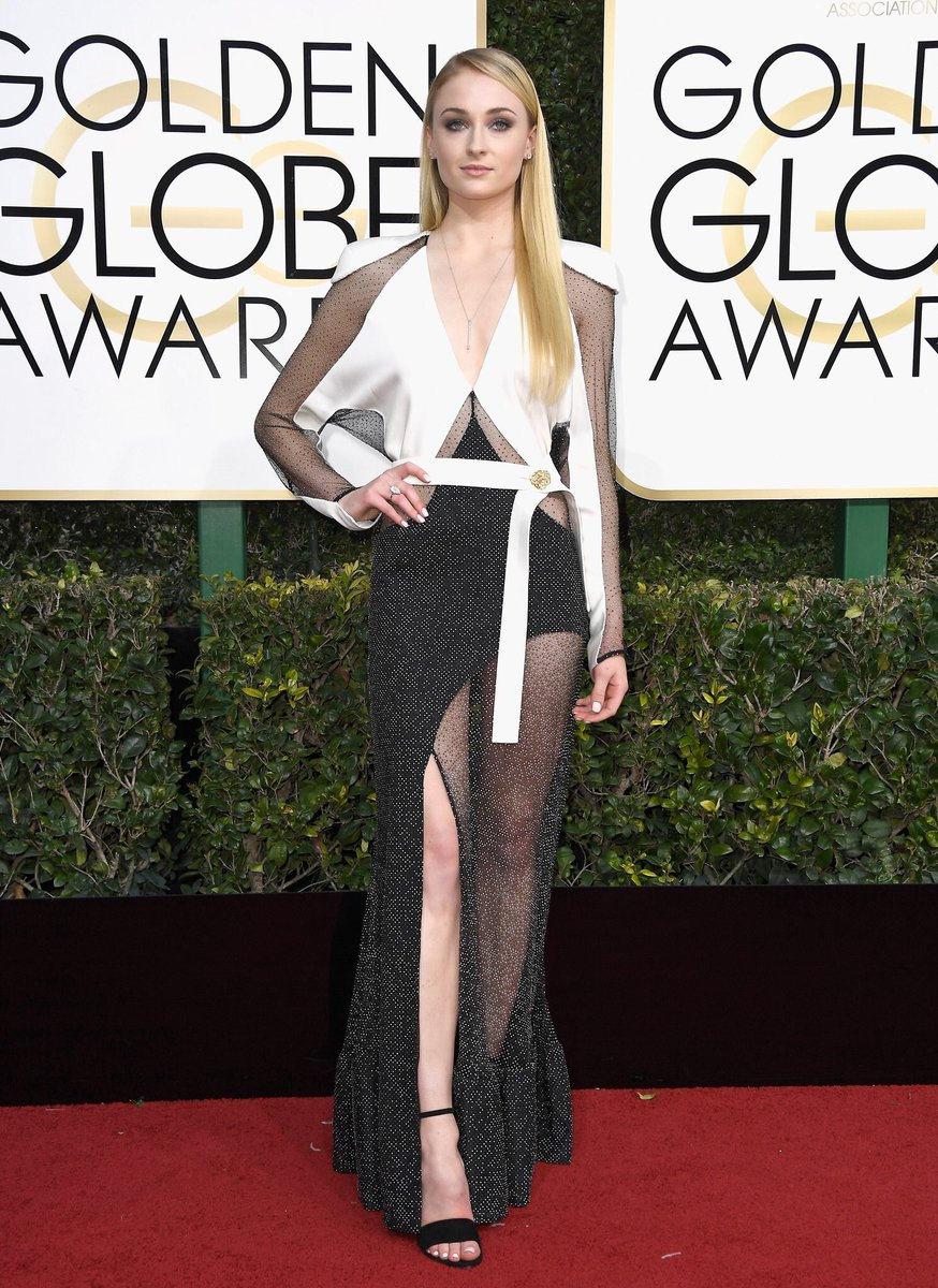 SOPHIE SLAY!!!!! #GameofThrones #GoldenGlobes https://t.co/jHivymUaxb