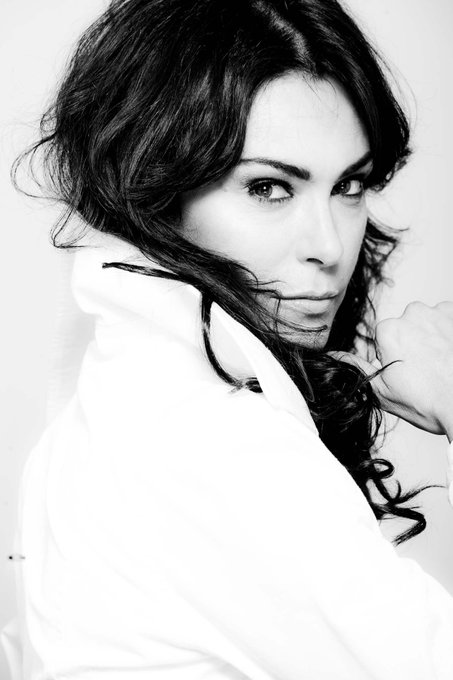 Happy birthday to the gorgeous Michelle Forbes! ¡Feliz cumpleaños