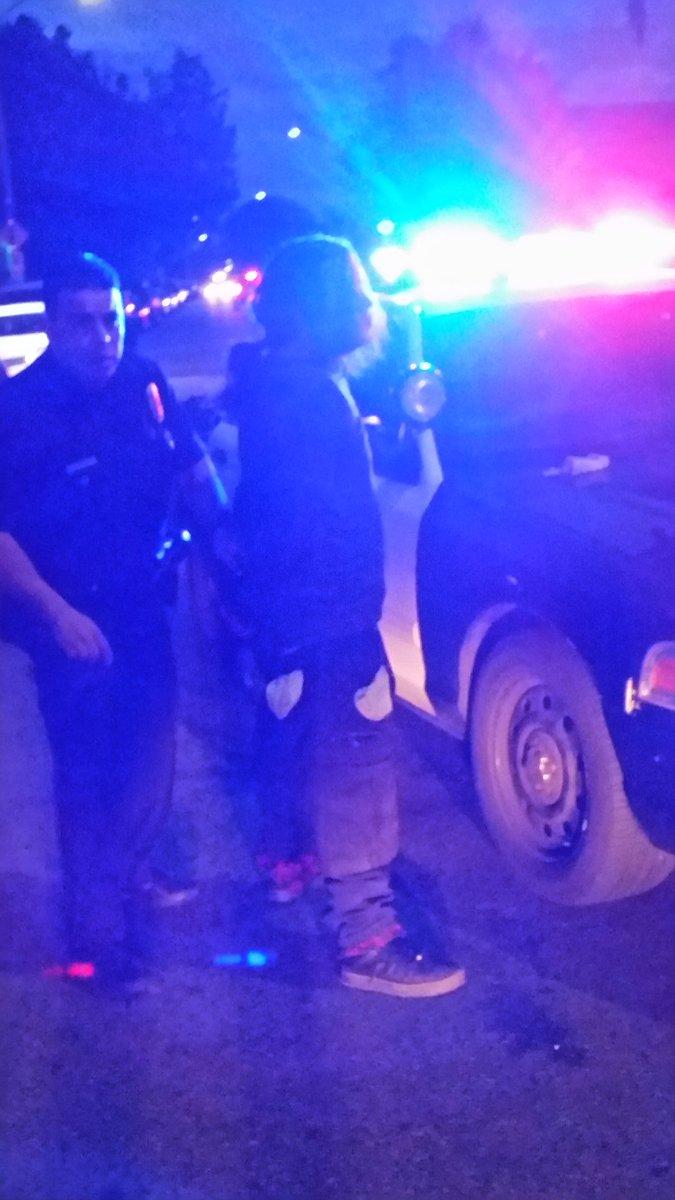 @KTLA #KTLA Arson suspect returns to scene of blaze in Hyde Park/South LA; arrested right in front of our cameras! <br>http://pic.twitter.com/COp03xtpN8