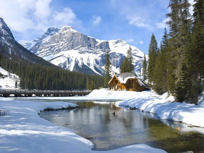 For those who are suffering in the #tubestike here is something to divert your mind from heaving crowds &amp; slow traffic.#ski #Canada #Rockies <br>http://pic.twitter.com/OEXIhD43Wy