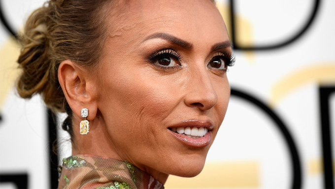 Apparent 2017 Golden Globes Makeup Trend: Shoulder Makeup