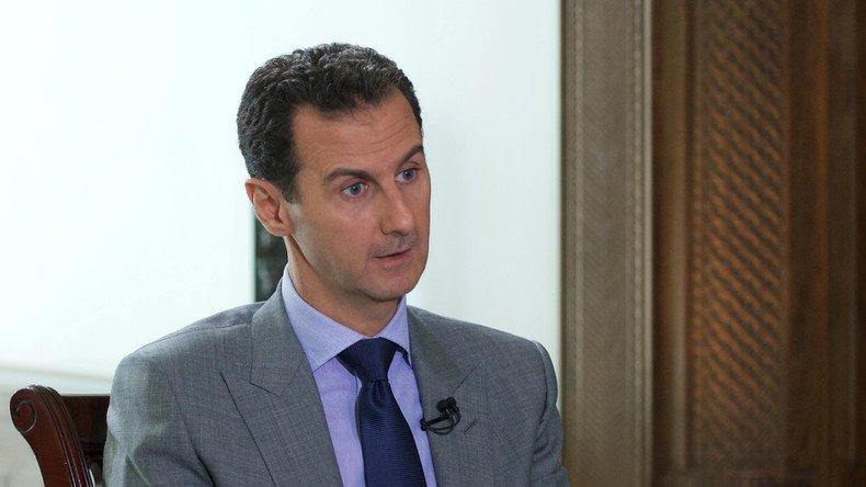 Bachar Al-Assad estime que la guerre syrienne aura signé «l&#39;échec des médias mainstream en Occident» #Syrie  https:// francais.rt.com/international/ 31965-bachar-el-assad-vous-ne-pouvez-pas-avoir-soutien-populaire-tuez-citoyens &nbsp; … <br>http://pic.twitter.com/pcAYD5m7Xw