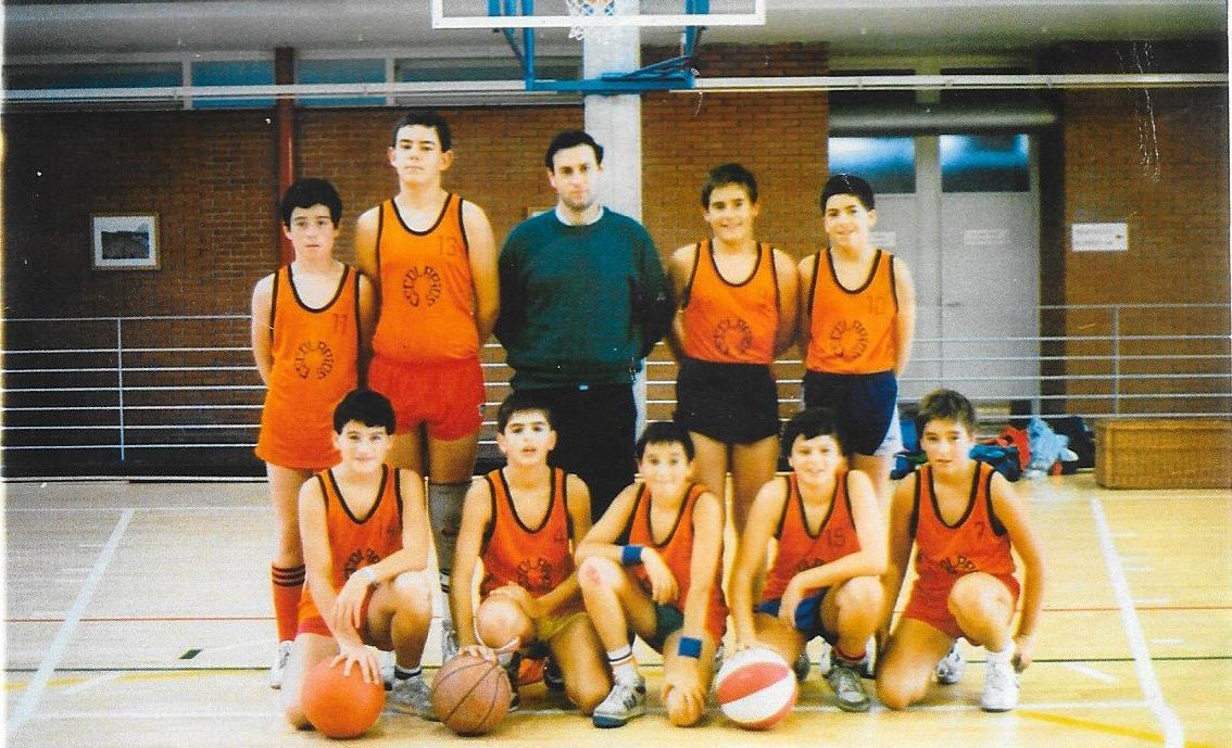 Proyecto 75 años de baloncesto en Álava. C1uFY2QXcAAjiXy