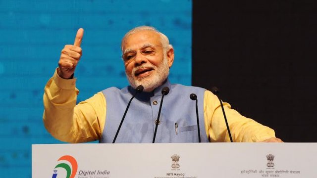 PM @narendramodi  delighted at #BHIMApp hitting 10-million downloads mark in just 10 days  http://www. indiatvnews.com/business/india -10-million-users-of-bhim-app-in-just-10-days-pm-modi-364256?tw &nbsp; … <br>http://pic.twitter.com/a4AoxuHbK7
