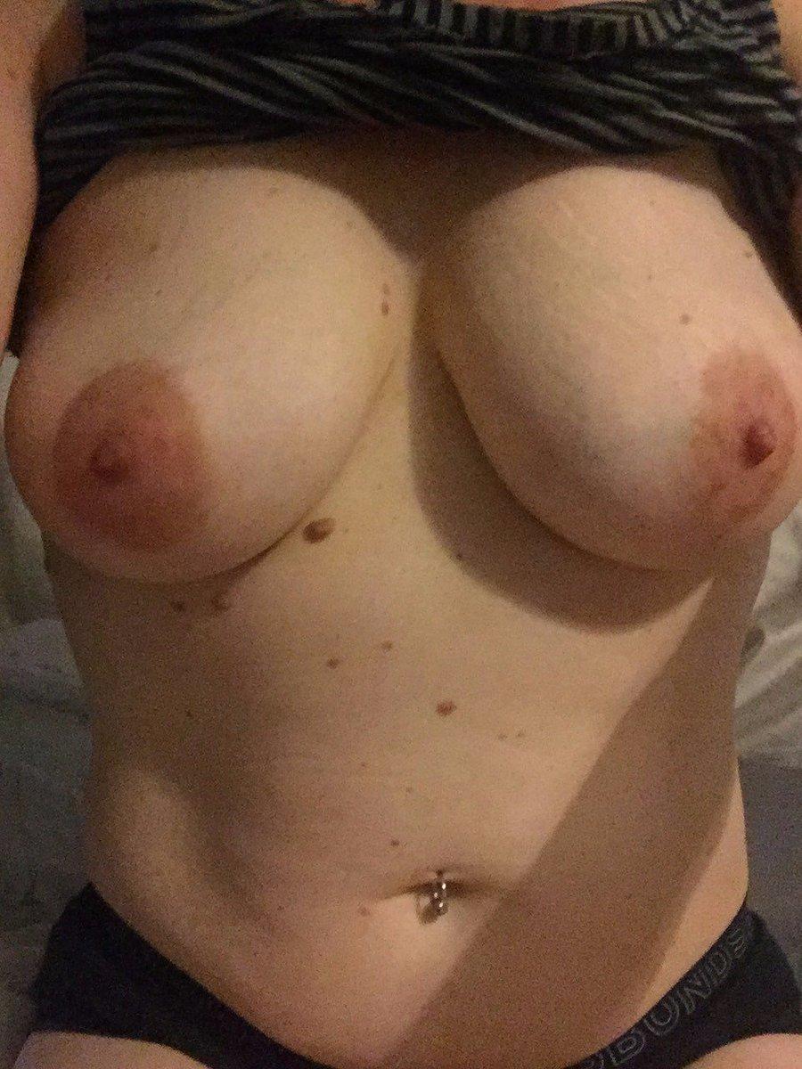 Nude Selfie 10198