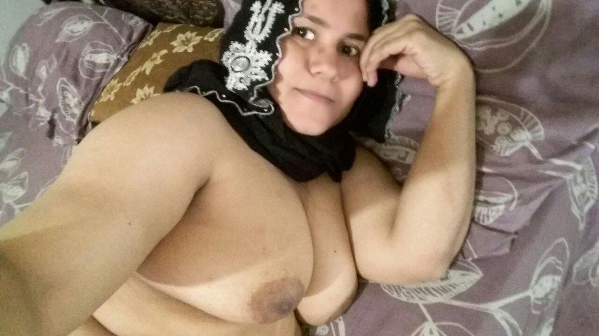 Nude Selfie 10199